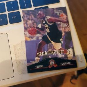 Jerald honeycutt basketball card